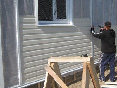 Обшивка дома деревянного сайдингом