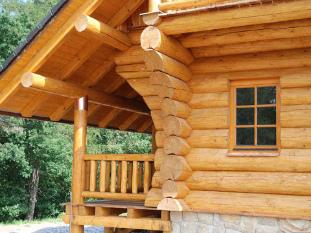 Обработка деревянного дома